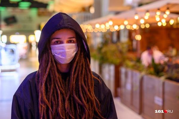 Работники общепита теперь должны работать в медицинских масках