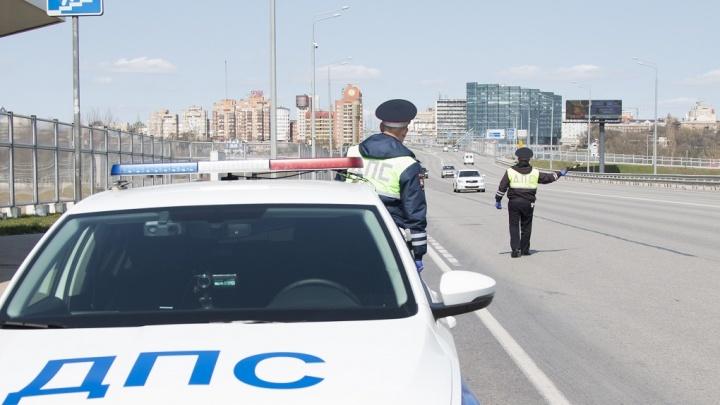 В Ростове водитель протаранил машину полиции и устроил ДТП, уходя от штрафа за превышение скорости