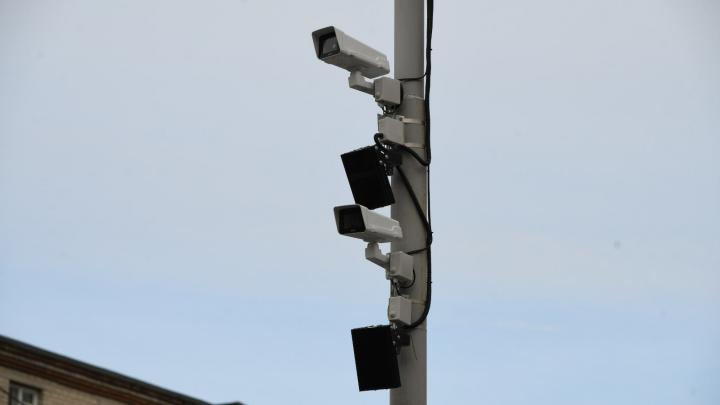Дорогу между центром и ЖБИ завесили камерами: за что будут ловить водителей
