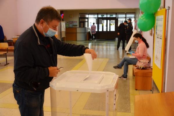 Избирательные участки будут работать каждый день с 08:00 до 20:00