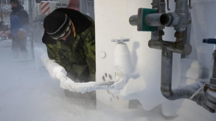 Чтобы избежать взрывов: в ковидных больницах Екатеринбурга поменяли кислородное оборудование