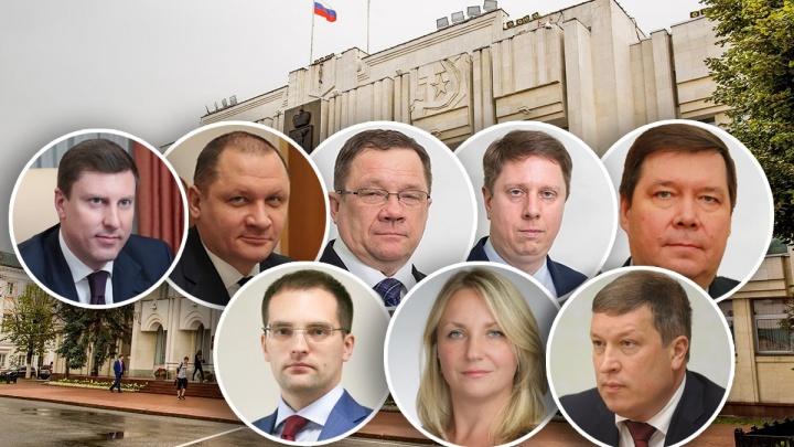 Что в гаражах у чиновников: изучаем элитный автопарк сотрудников правительства Ярославской области