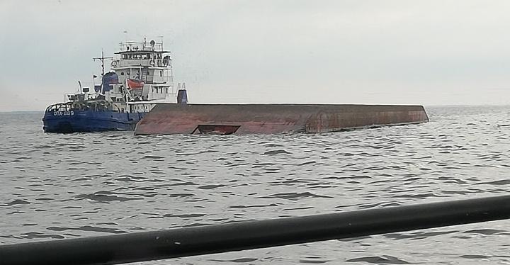 Нашли тело второго пропавшего. На Рыбинском море перевернулась баржа. Всё о ЧП — онлайн