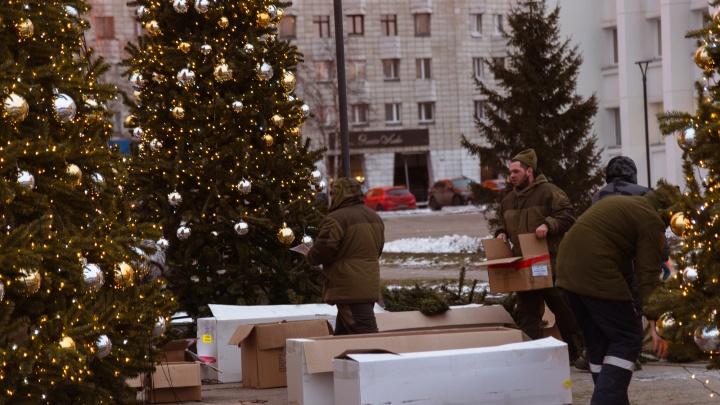 Ансамбль из елок и горка в центре Архангельска обошлись в 10 миллионов рублей: кто платит