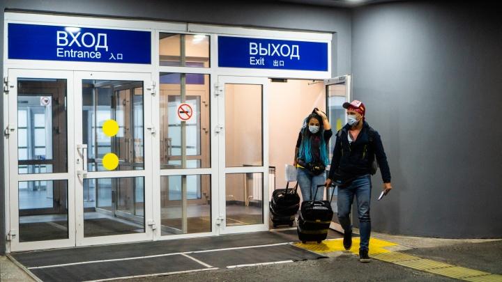 Двое новых зараженных коронавирусом омичей недавно прилетели из Москвы