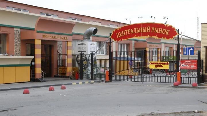 Два продавца Центрального рынка Челябинска попали в больницу с пневмонией