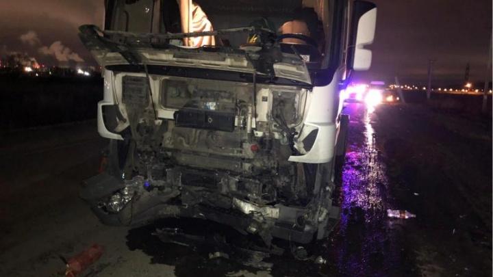 В Прикамье в ДТП с грузовиком погибли два человека