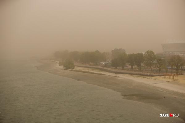 Пыльная буря в Ростове началась вчера во второй половине дня