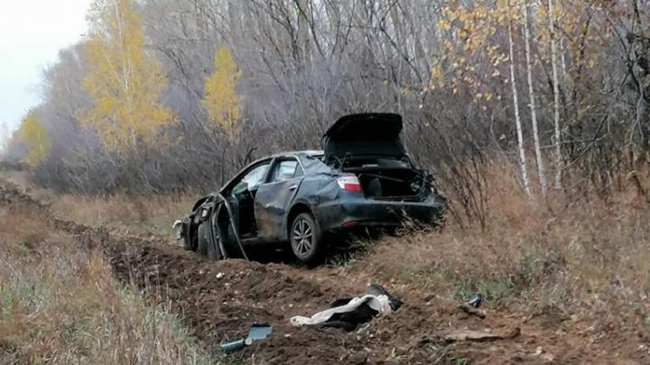 На трассе под Новосибирском перевернулась «Тойота» — женщина-водитель погибла