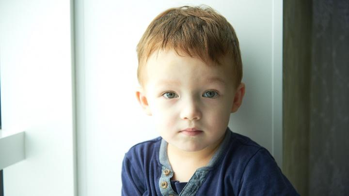 Мать двухлетнего мальчика, который борется с раком: «На лечение нужно 4 миллиона и поездка в Швейцарию»