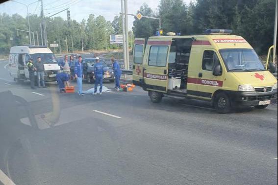 На проспекте Фрунзе в Ярославле насмерть сбили пешехода
