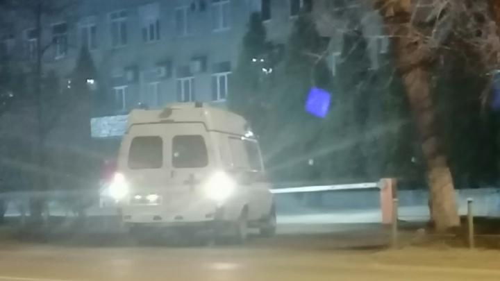 Работники челябинского завода с подозрением на коронавирус отказались от госпитализации