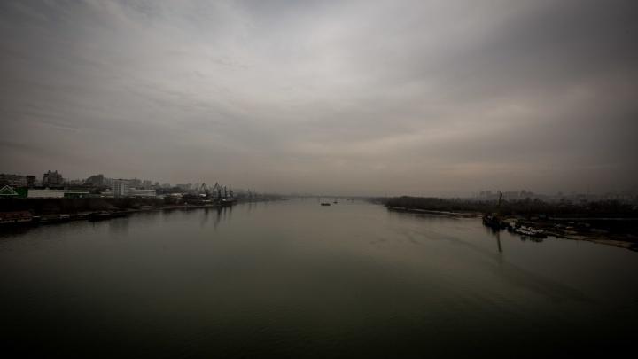 Увидели и зацепили удочкой: рыбаки выловили труп из Оби возле дома «Марсель»