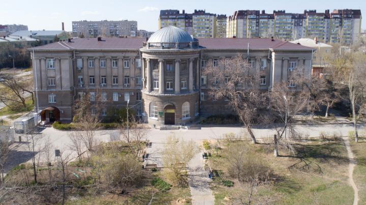 В Волгоград госпитализировали с коронавирусом женщину из Суровикино