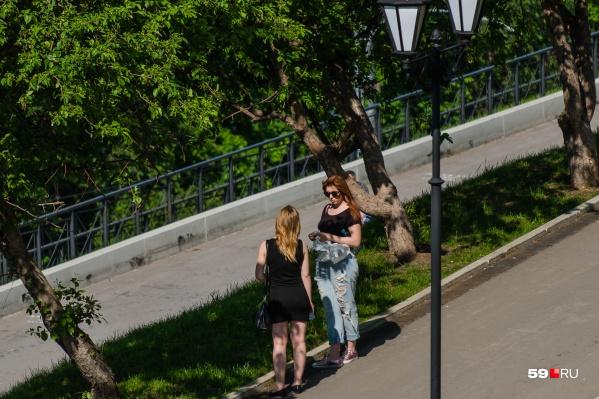 На набережной можно будет гулять — почти как раньше, но не забывая про защитную маску