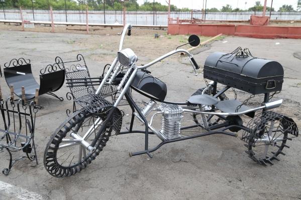 Этот мотоцикл уже снаряжен всем необходимым