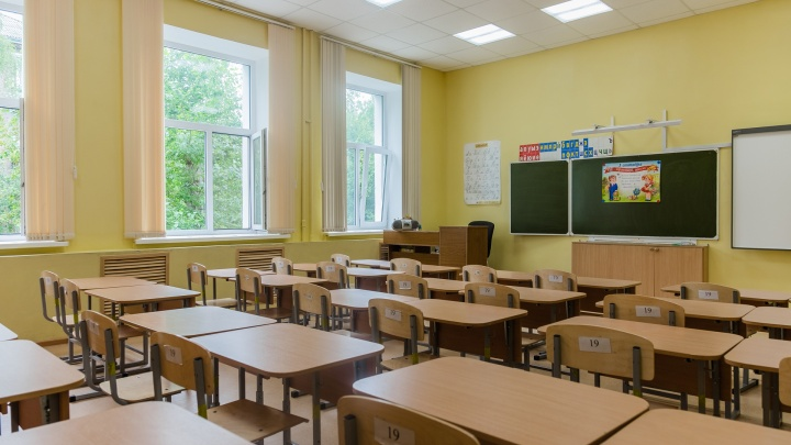 Министр образования — о том, как организуют карантин в школах Прикамья, где выявили COVID-19