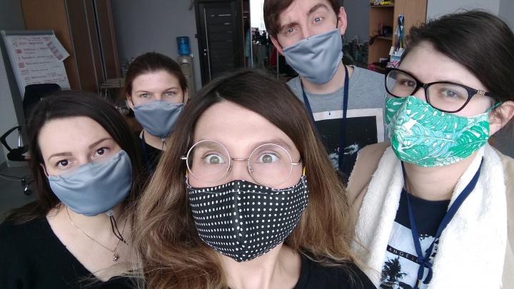 Более 15 тысяч многоразовых масок в день выпускают на предприятиях Архангельска