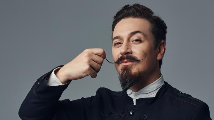 Ив Набиев — о бароне Мюнхгаузене, на которого похож, усах и кризисе среднего возраста