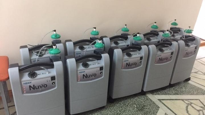 В омские больницы доставили 50 кислородных приборов для больных коронавирусом
