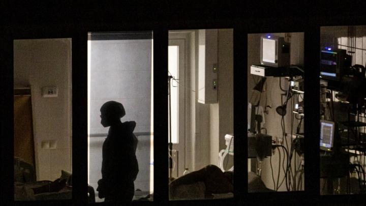 От коронавируса в Новосибирской области скончались пять человек — двое мужчин и три женщины