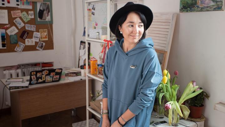 «Я за то, что нужно работать с семьёй»: челябинка создала марку одежды и продаёт её на Wildberries
