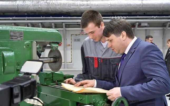 Самарский завод передаст в Москву фрезерный станок времен ВОВ