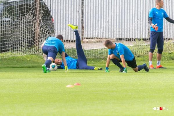 Самарские футболисты готовятся к рестарту сезона на своей базе