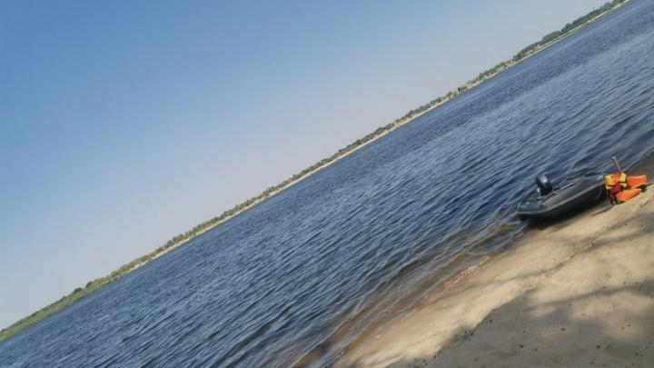 У него была только моторная лодка и синие плавки: в Волгограде на Волге пропал молодой мужчина