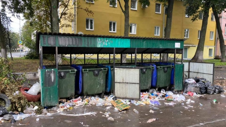 Глава района обвинил жителей в свалке мусора в центре города. Но виноваты не они