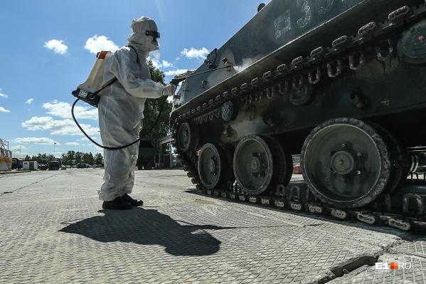 Уральские военные из подразделений РХБЗ помогали за границей справиться с коронавирусом
