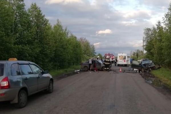 Вчера полиция сообщала, что погиб водитель иномарки, а не пассажир