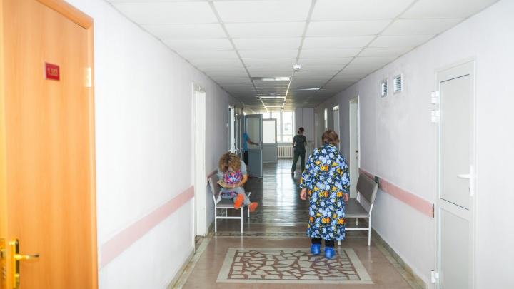 «Мы брошены»: челябинка, выписанная из очага COVID-19 в онкоцентре, не может дождаться врача на дом