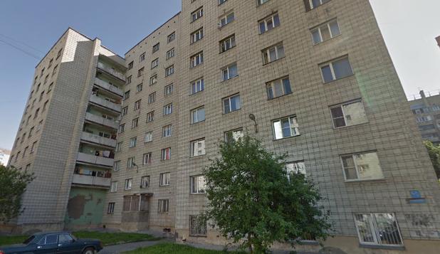 В центре Новосибирска из окна выпал 4-летний мальчик. Он погиб на месте