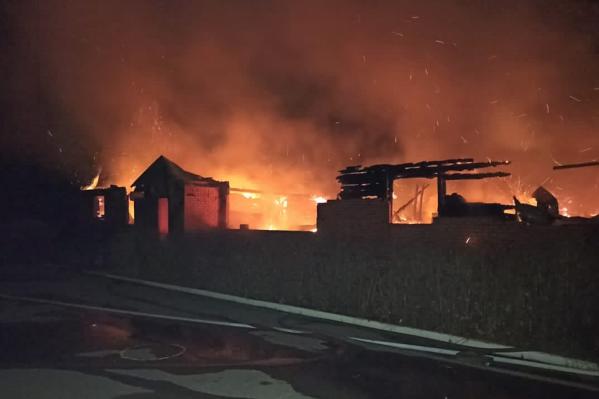 Пожар в кадетском корпусе гимназии тушили до самого утра