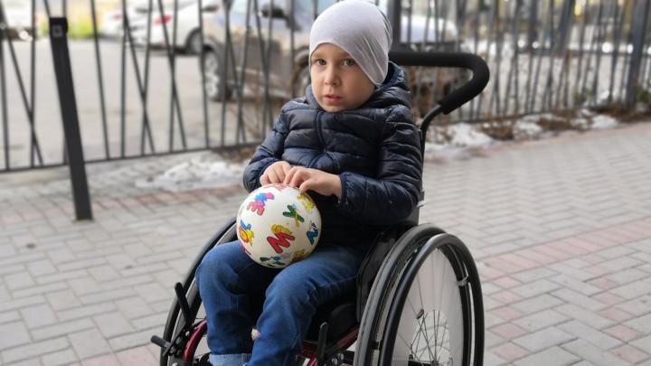 Родители тюменских детей с диагнозом «СМА» написали жалобы в прокуратуру: им не закупают лекарство