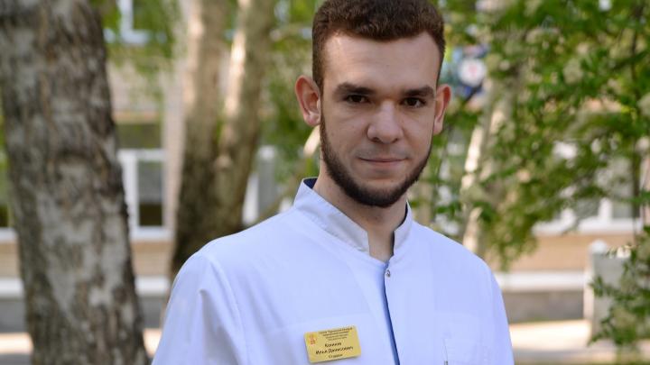 «Не хватало врачей»: история акушера, променявшего свою работу на спасение тюменцев от коронавируса