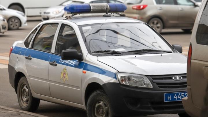 В Каменске девушка сбила полицейского. Ей не понравилось, что он попросил ее выключить музыку