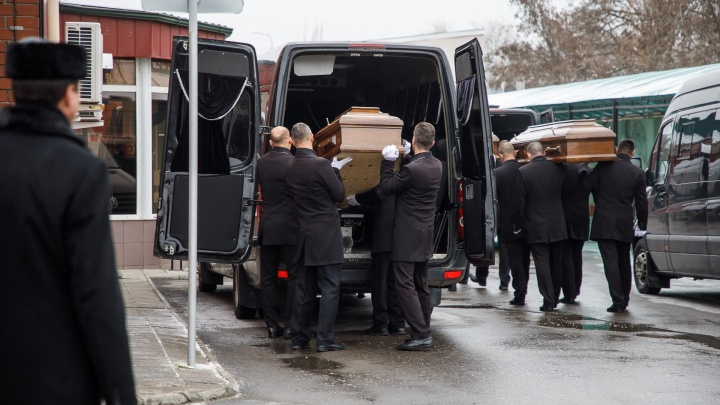 Мэрия Волгограда заплатит 87 рублей за перевозку умерших в морги