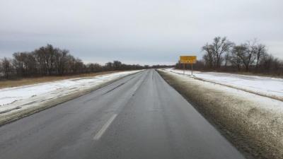 Первые сугробы и пробки на трассах: Волгоградскую область заметает снегом