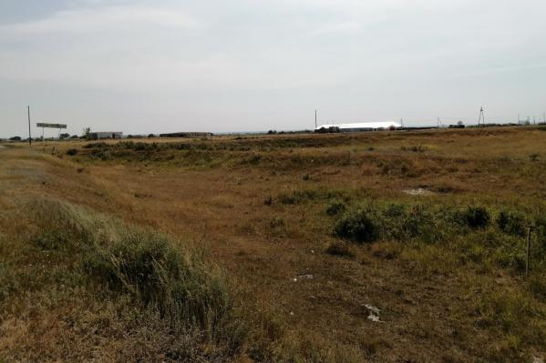 На въезде в село Нижнетобольное в Зауралье могут разместитьмусороперегрузочную станцию. Жители посёлка этим недовольны, они готовы идти в прокуратуру и к губернатору