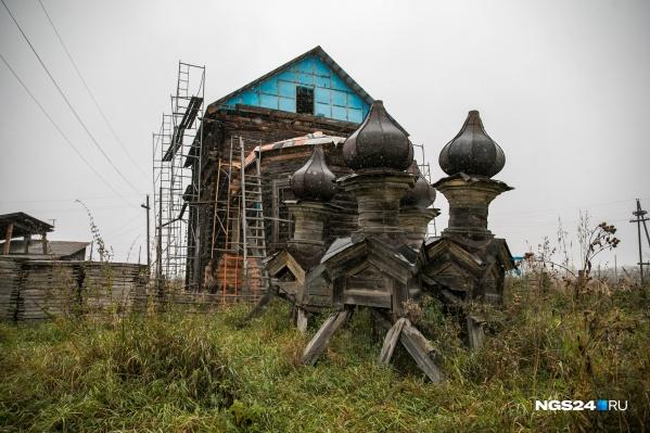 Церковь Покрова в Новоалександровке уже давно находится в состоянии вялотекущей реставрации<br>