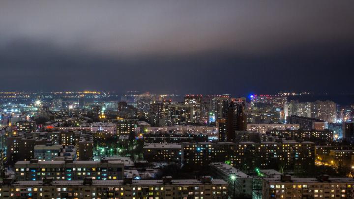 «Спим с закрытыми окнами»: жители Новосибирска третий раз за неделю пожаловались на невыносимую вонь