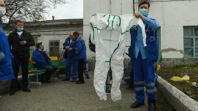 Сотрудники скорой помощи Екатеринбурга готовят жалобу в прокуратуру из-за отсутствия обещанных доплат