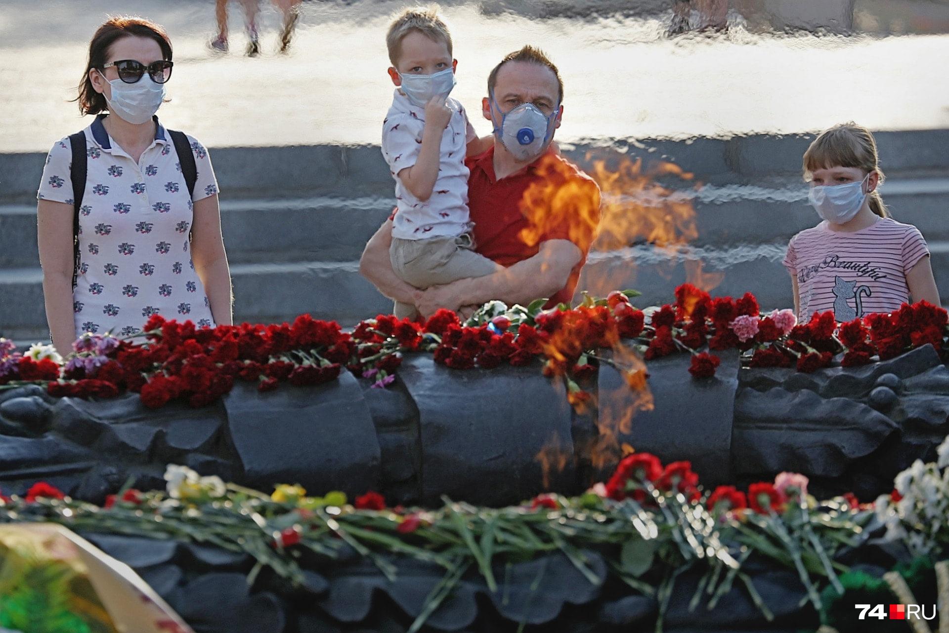 День Победы перенесся с весны на лето и проходил скромно, без парадов и массовых гуляний