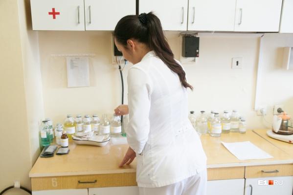 Женщина-медик, избитая пьяным дебоширом, сейчас находится в больнице