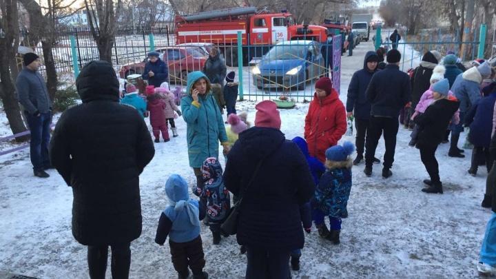 Больше 50 детей эвакуировали из садика под Челябинском из-за короткого замыкания