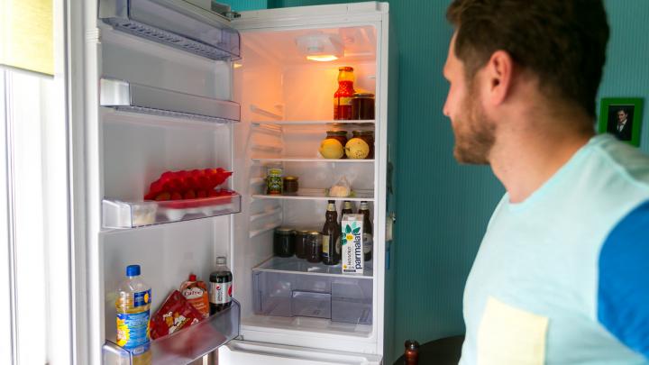 «Самоизоляция — это возможность скинуть до 8 килограммов за месяц»: советы диетолога по питанию взаперти