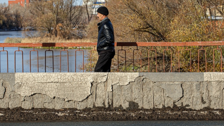 Ленинградский мост в Челябинске частично закроют для пешеходов