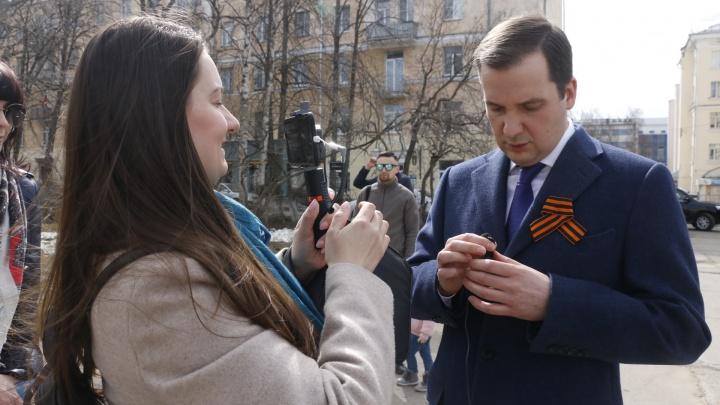 Врио губернатора Александр Цыбульский отвечает на вопросы 29.RU о Дне Победы в прямом эфире
